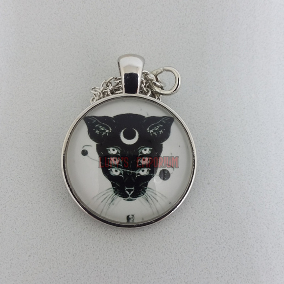 You were given this Black Glass Cabochon Necklace chain Pendant Wholesale